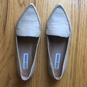 Steve Madden textured leather nude flats loafers